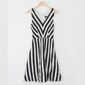 ANN TAYLOR 6 Petite A Line Stripe Dress
